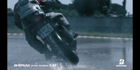 En temporada de lluvias conduzca seguro en moto